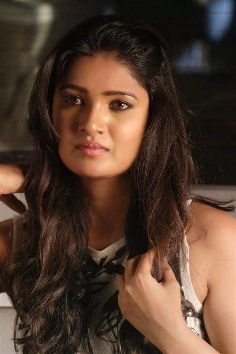 serial actress name tamil top 5 beauty full tamil television serial actress