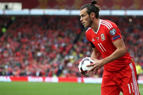 how to do your hair like bale gareth bale lets his hair down during wales disappointing