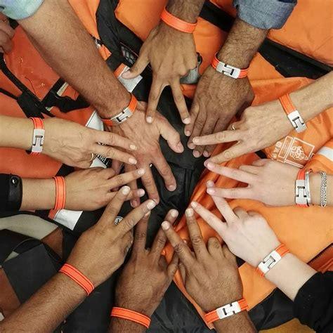 armband van reddingsvest den haag fm 187 omarmband van omar munie voor diversiteit