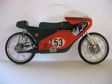 Motorrad Weltmeisterschaft 50ccm by Jan De Vries Rennfahrer