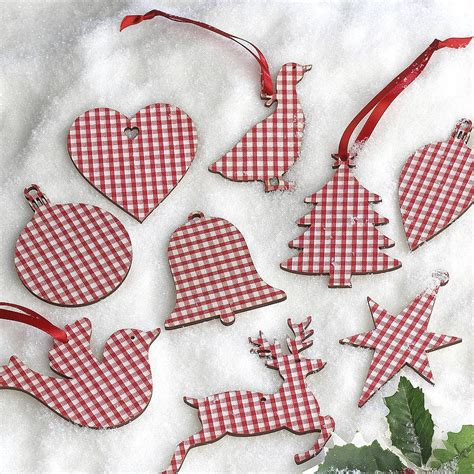 traditional gingham christmas tags by artcuts