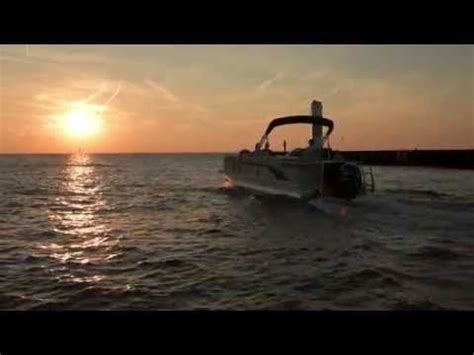 best pontoon boat manufacturers 2015 61 best 2015 bennington pontoon boat models images on