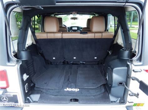 Jeep Wrangler Unlimited Trunk 2011 Jeep Wrangler Unlimited 4x4 Trunk Photo