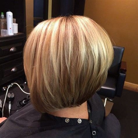 short bob styles with a subtle stacking 22 stacked bob hairstyles for your trendy casual looks