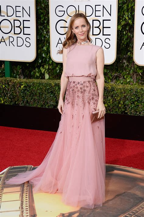 leslie mann red carpet golden globes 2016 all the celebrity dresses from the red