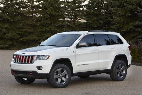 jeep sedan concept 2012 jeep grand cherokee trailhawk concept news and