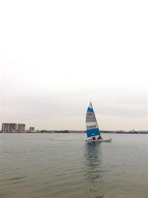 catamaran sailing abu dhabi abu dhabi sailing in a hobiecat