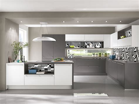 Große Küche Mit Kochinsel by Wohnzimmer Regale Design