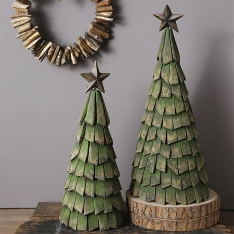 distressed wood slices tree  star antique farmhouse