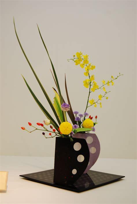 vases marvellous contemporary vase arrangements ikebana ikenobo in modern vase modern ikenobo