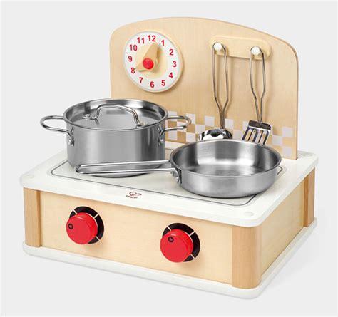 Good Toy Kitchen Set #2: Screen-Shot-2014-01-13-at-3.30.23-PM.png