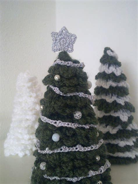 pattern for a christmas tree o christmas tree crochet christmas tree moogly