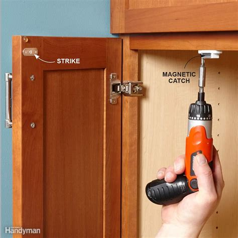 how to keep cabinet doors closed 10 minute house repair and home maintenance tips the