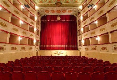 teatro persiani il teatro persiani in soccorso teatro lauro