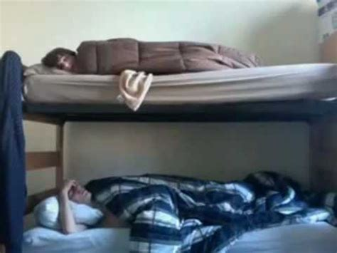Annoying Bunk Bed Annoying In Bunk Bed Hilarious Must