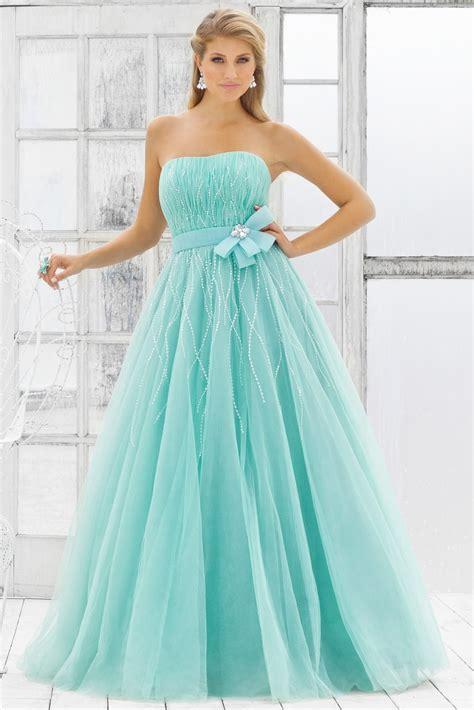 bridal fashion show strapless prom dresses tips