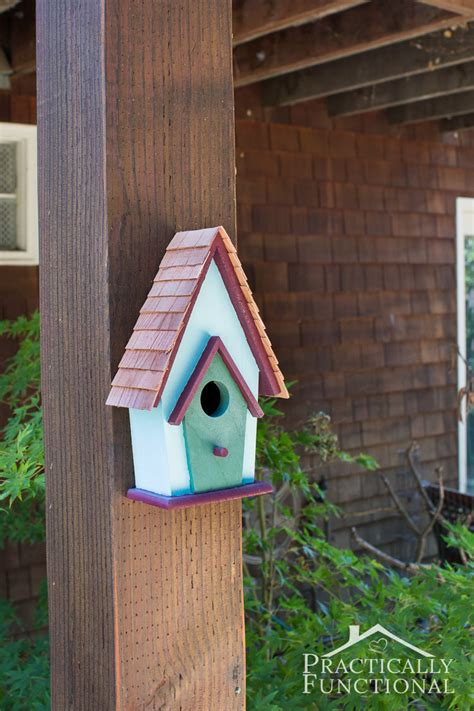 Birdhouse Decorating Ideas by Simple Backyard Decorating Ideas Paint A Birdhouse