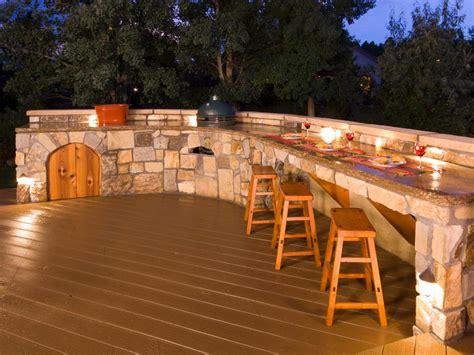 Chic Diy Outdoor Bar With Wood Barstool On Sleek Floor