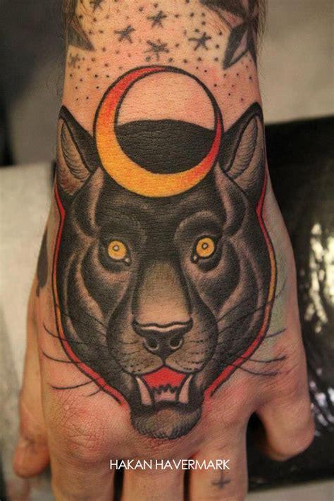 tatouage t 234 te de f 233 lin sur la main inkage