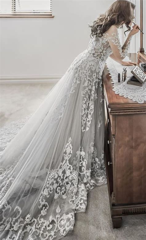 Silver Wedding Dresses Uk by The 25 Best Ideas About Grey Wedding Dresses On