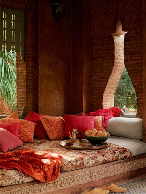 sofa im marokkanischen stil hauseinrichtung mit textilien im marokkanischen stil