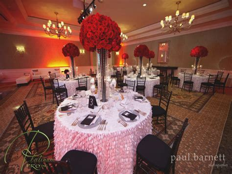 Red black and white wedding decor images   Red Black And