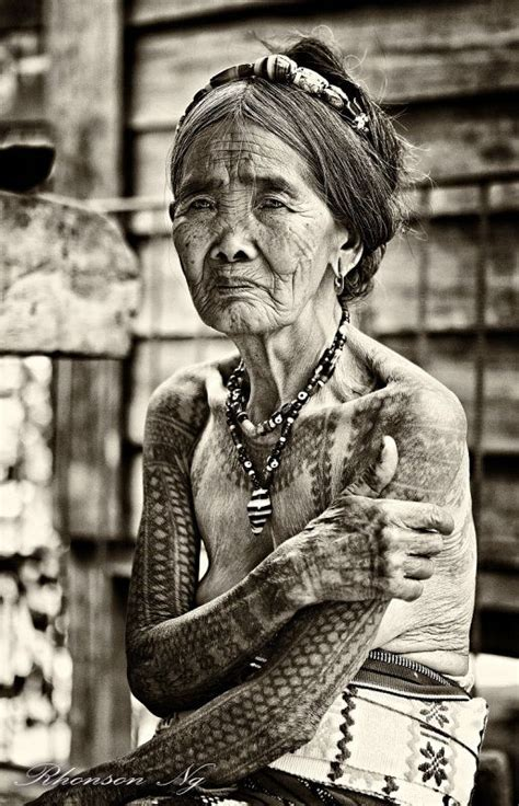 old lady with tattoos tattooed of kalinga and last mambabatok 93 year