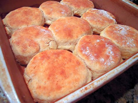 biscuits and slashed browns a country store mystery books 7up biscuits plain chicken