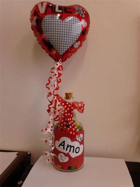 botellas de sidra decoradas para el novio imagenes con diamantina botella reciclada rellena de dulce de bolitas decorada con