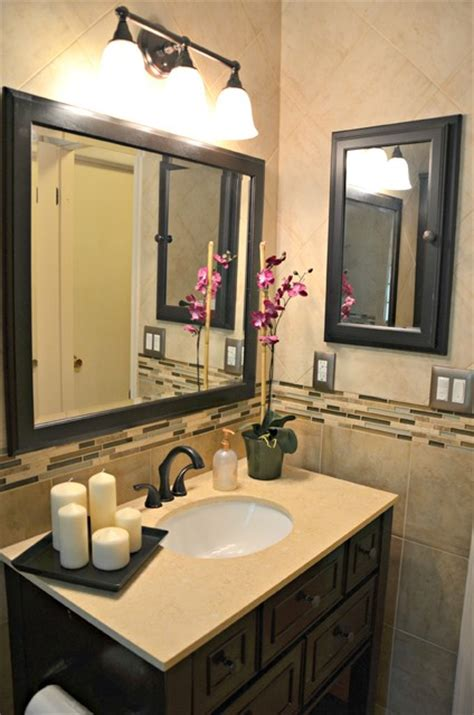 bathroom with rubbed bronze accents