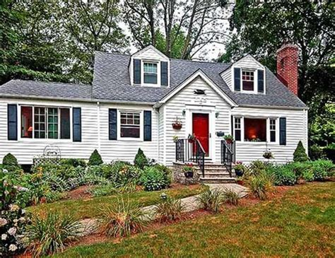 cape cod cottage style a little cape cod cottage for the home pinterest
