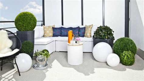 portavasi da terrazzo dalani portavasi alti eleganza e design minimal in giardino