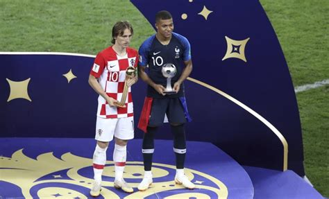 kylian mbappe golden ball luka modric wins world cup golden ball as kylian mbappe