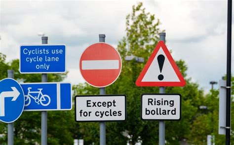 mobile app new signs lights to ease parking woes at fort why new road sign rules could spell trouble for motorists