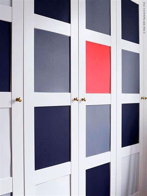 como decorar las puertas en google de un salon de preescolar c 243 mo renovar las puertas de un armario con papeles pintados