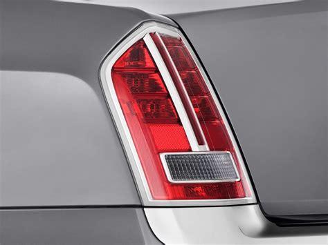 2014 chrysler 300 tail lights 2014 chrysler 300 4 door sedan awd tail light
