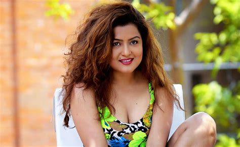 nepali actress without makeup rekha thapa full biography height age relationship