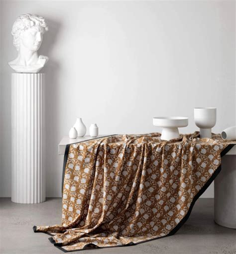table linen buys   perfect host real living