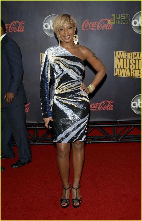 2007 American Awards J Blige by J Blige 2007 American Awards Photo 744301
