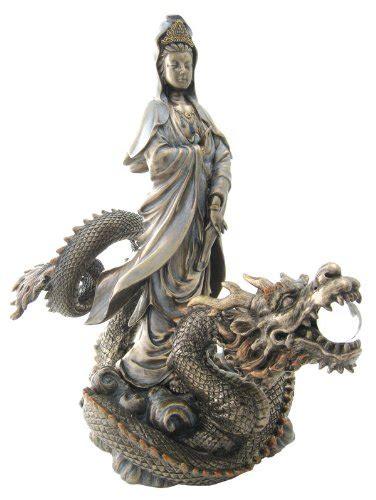 Patung Dewa Kwan Kong Emas Sepuh kuan yin