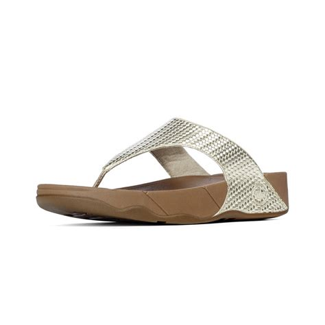 lulus sandals fitflop fitflop lulu toe post sandal in soft pale gold