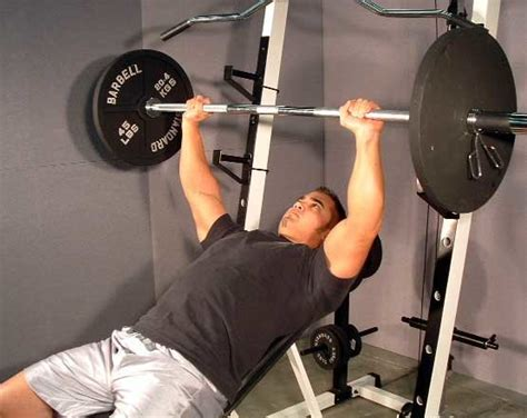bench press vs incline bench press targeting a stubborn chest working the pecs