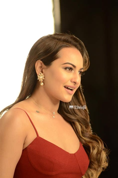 sonakshi sinha new photos