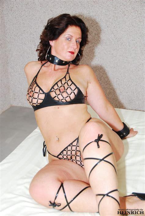 LusciousModels Manuela Mature Slut Picture Gallery