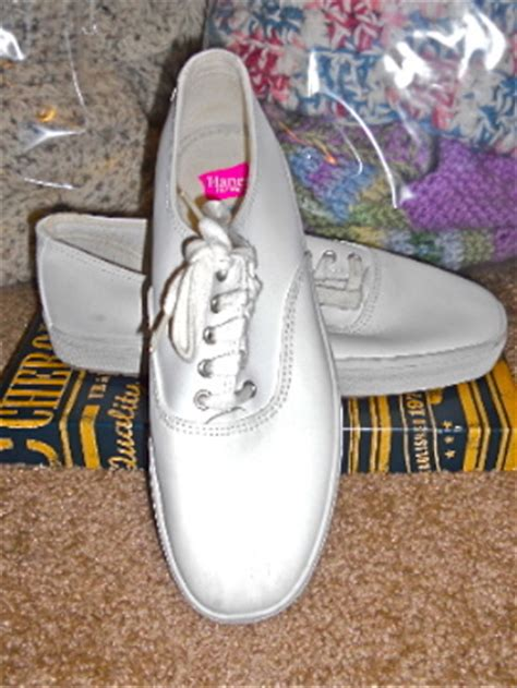 free hanes white smooth leather tennis shoes sz 8 1 2