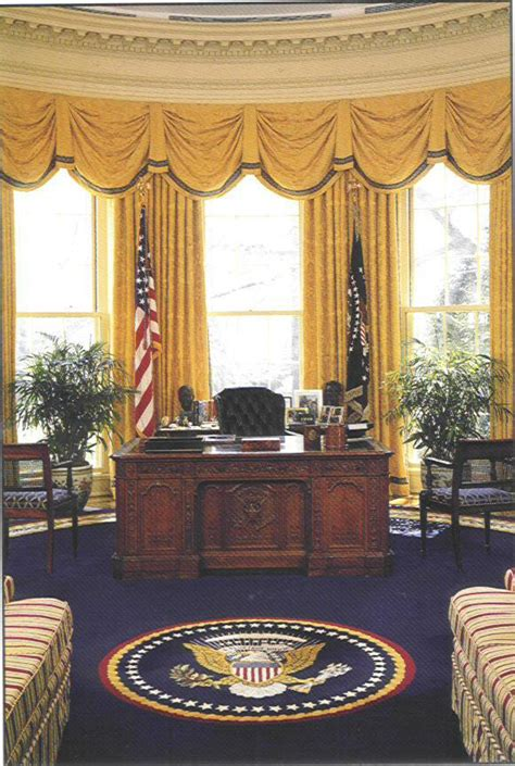 where in the white house is the oval office march 2007 intellectual vanities about close to