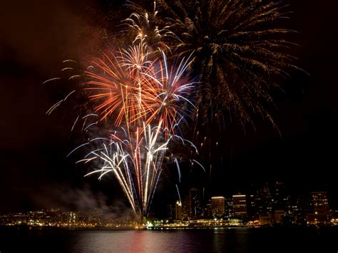 new year events honolulu 2015 the best new year s fireworks events in
