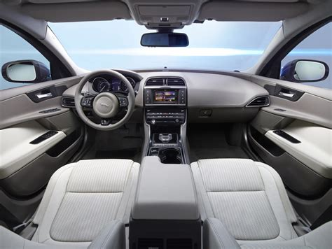 imagenes interior jaguar xe jaguar xe portfolio interior