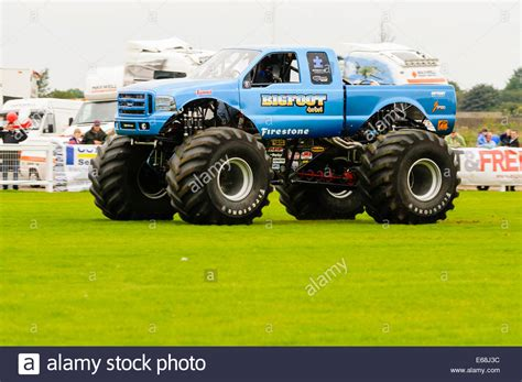 the monster truck bigfoot 100 bigfoot monster truck videos original 100