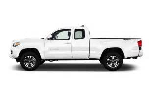 Toyota Tacoms 2017 Toyota Tacoma Reviews And Rating Motor Trend